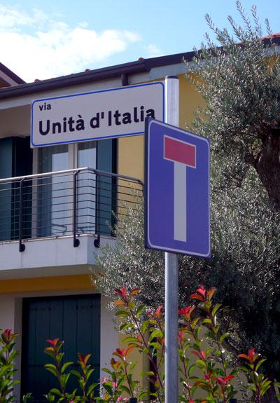 via unità d'italia