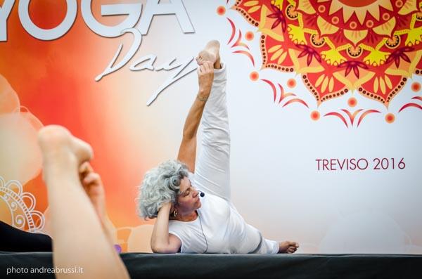 andreabrussi.it - yoga day tv 2016 laura melchiori